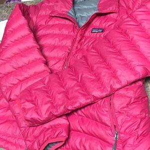 Patagonia puffer jacket size medium